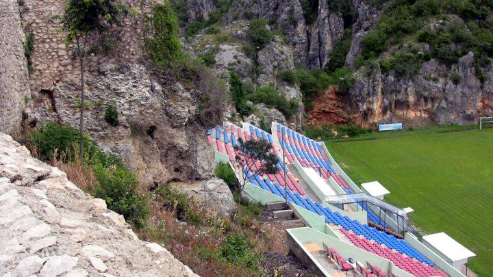 Futbalové ihrisko, Imotski, Chorvátsko